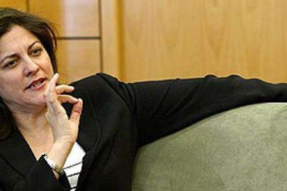 Nadie entiende a la ex ministra Trujillo y desde el PSOE le llueven palos