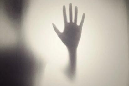 """""""Fue un fantasma"""": La insólita excusa de un hombre acusado de matar a una psiquiatra y a su propia hija"""