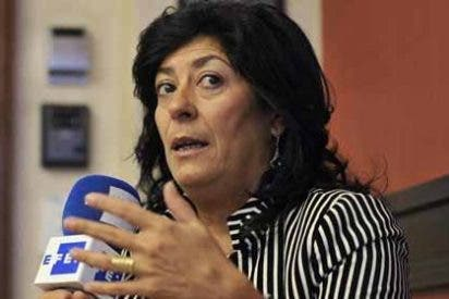 Una 'generosa' Almudena Grandes desea una intoxicación navideña a quienes no comparten sus 'solidarios' puntos de vista