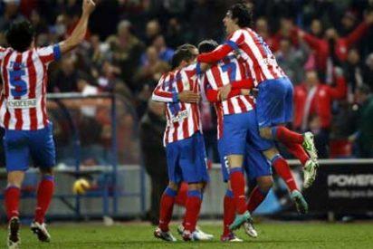 Adrián regala un feliz fin de 2012 al Atlético, ya por delante del Real Madrid