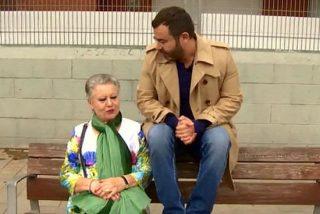 """Jorge Javier Vázquez rompe a llorar en directo al ver a su madre: """"Me impresiona mucho verla sola"""""""