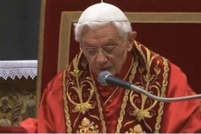 Benedicto XVI pide visitar enfermos y presos en Navidad