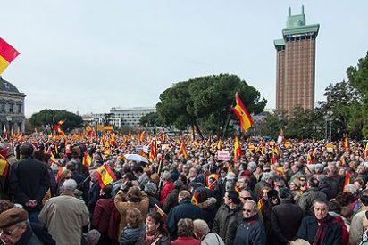 """Miles de personas se manifiestan en Madrid y Barcelona porque """"España somos todos"""""""