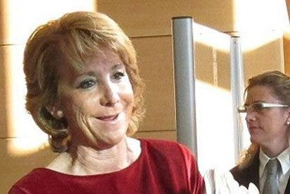 """Esperanza Aguirre tira de las orejas a El País por decir que estuvo en una finca de Díaz Ferrán: """"Jamas he estado en ninguna casa de este señor"""""""