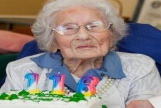 Muere a los 116 años de edad la persona más vieja del mundo después de que la peinaran