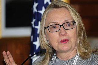 Hillary Clinton se desmaya, cae al suelo y sufre un traumatismo craneal