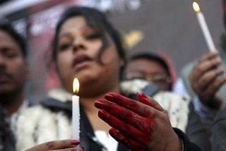 Muere tras 13 días de agonía la joven india violada por seis hombres en un autobús