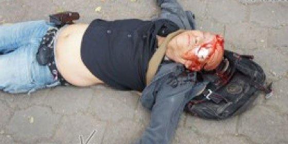 Brutal batalla entre policía y jóvenes mexicanos en la investidura presidencial de Peña Nieto
