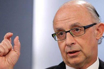 """El ministro Montoro critica a 'El País' por dar lecciones mientras tiene """"importantísimas deudas con Hacienda"""""""