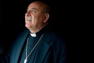 El obispo de Santander pide a los curas que donen su extra a Cáritas