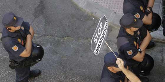Una mujer con una orden de desahucio fallece en Málaga tras arrojarse al vacío