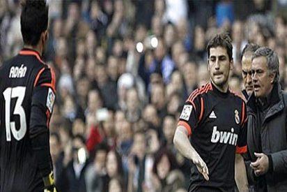 Mourinho pierde su apuesta, Adán comete penalti y es expulsado, pero Cristiano salva al Real Madrid