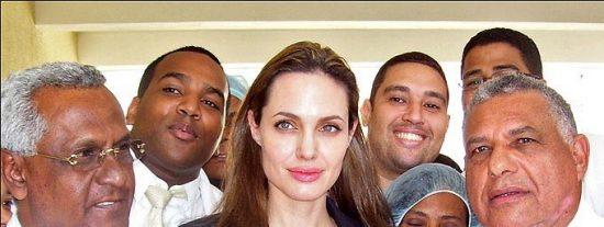 Angelina Jolie cuenta las terribles vivencias de sus viajes humanitarios
