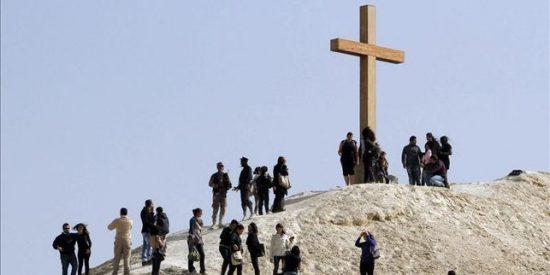 Diez mil cristianos peregrinan al lugar del bautismo de Cristo