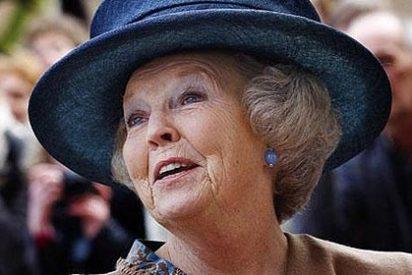 La Reina Beatriz de Holanda anuncia que abdica en su hijo Guillermo