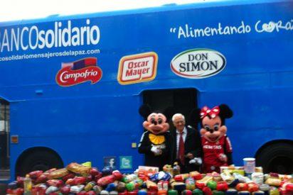 Mensajeros de la Paz recoge en el Bus Solidario más de tres toneladas de alimentos junto al Bernabéu