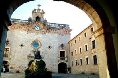 Un herido grave en el incendio de dos habitaciones del Monasterio de Lluc