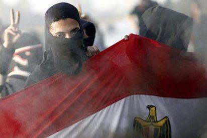 Al menos 31 muertos en los disturbios que agitan Egipto tras la condena a muerte de 21 hinchas