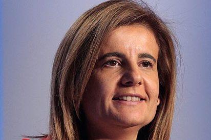 "La Razón masajea a Fátima Báñez: ""Imparable, directa y sagaz"""