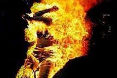Un facineroso prende fuego a dos mujeres en un pueblo de La Coruña