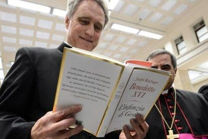 El Papa ordenará obispo a su secretario