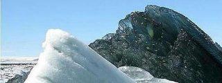 La foto de un misterioso iceberg negro revoluciona las redes sociales