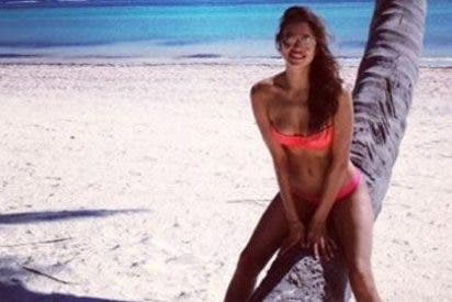 Irina Shayk luce cuerpazo en una playa paradisiaca