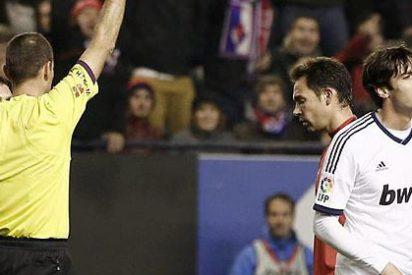 Kaká duró 15 minutos: Tercer partido seguido en el que el Madrid acaba con diez