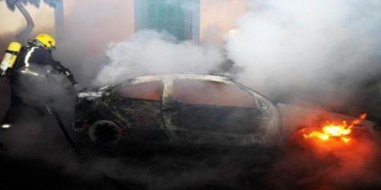 Un pirómano anda suelto por las calles de Palma quemando coches a diestro y siniestro