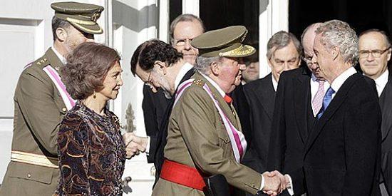 """El ministro Morenés subraya la """"serenidad"""" de los militares ante """"provocaciones"""""""