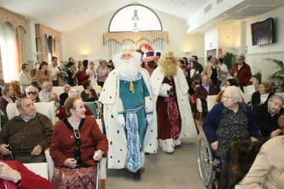 Mensajeros de la Paz entrega 25.000 regalos en residencias de ancianos de toda España