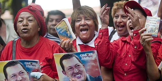 Los chavistas veneran ya a Hugo Chávez como un 'santón' en las calles de Venezuela