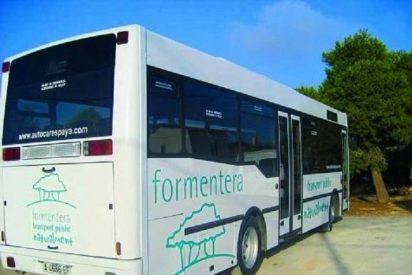 La morosidad del Govern con el transporte público de Formentera supondrá un aumento de la tarifa