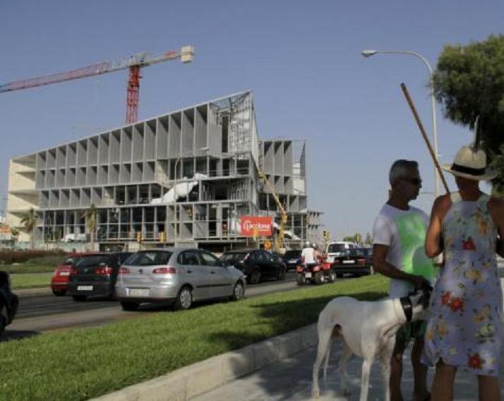 El Palacio de Congresos inicia los trámites para 'divorciarse' del hotel y poder venderlo
