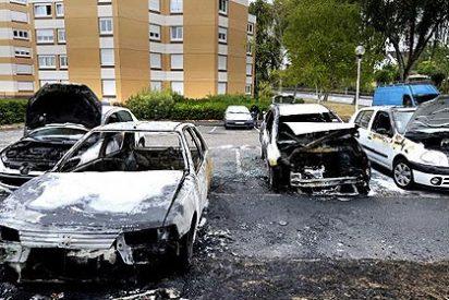 Casi una tradición: 1.193 coches quemados durante la Nochevieja en Francia