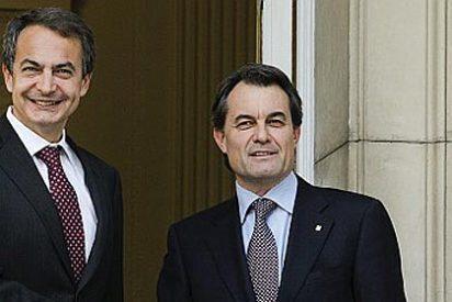 La predicción envenenada que Zapatero le hizo a Rajoy en privado acaba cumpliéndose
