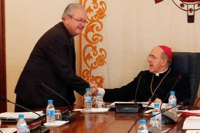 """Los obispos valencianos invitan a los fieles a """"rezar por Benedicto XVI y por el futuro Papa"""""""