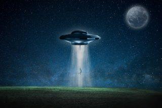 """""""Un universo alternativo aparecerá en algún lugar, se expandirá y nos destrozará"""""""