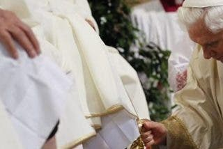 Homenaje de la Universidad a Benedicto XVI