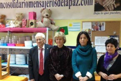 Soledad Becerril visita el Banco solidario de Mensajeros de la Paz