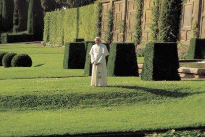 Jubilado, el papa cobrará 2.500 euros