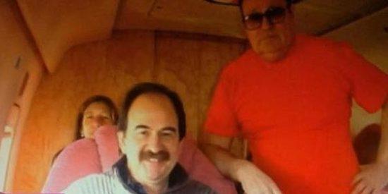 La foto prueba que el alcalde de CiU 'comía en la mano' del mafioso ruso