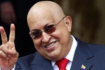 El 'moribundo' Hugo Chávez anuncia en Twitter que ha vuelto a Venezuela