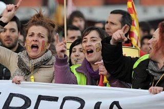 Iberia y los sindicatos pactan que un catedrático actúe como mediador en su conflicto