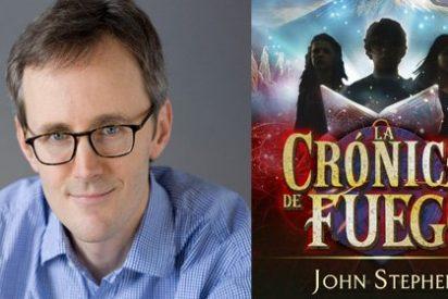 John Stephens escribe el segundo reto de su profecía, conseguir la Crónica de Fuego