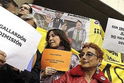 Un 40% de los jueces y fiscales van a la huelga contra Gallardón en toda España