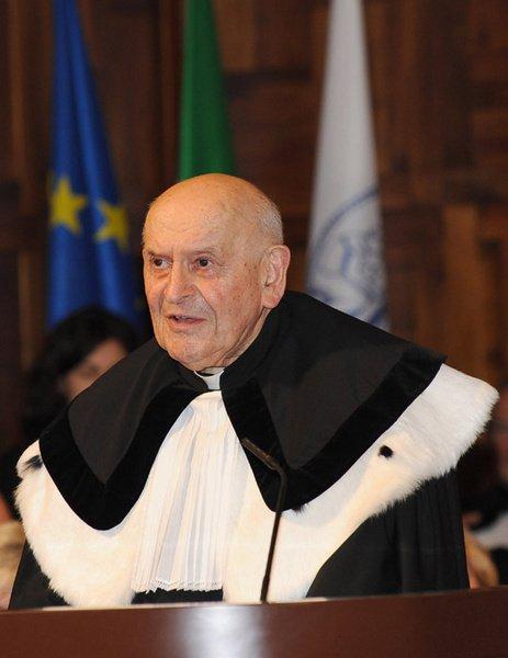 """El Papa sobre el cardenal Ries: """"Eminente hombre de fe que sirvió fielmente a la Iglesia"""""""