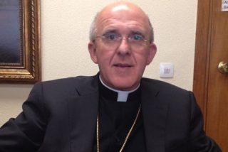 Osoro convoca a las parroquias de su diócesis a rezar por el Papa el jueves