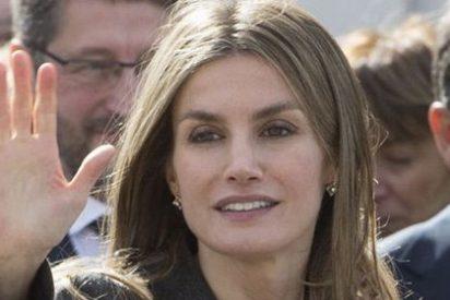 """La Princesa Letizia insta a asumir el """"compromiso"""" con los 3 millones de españoles que sufren enfermedades raras"""