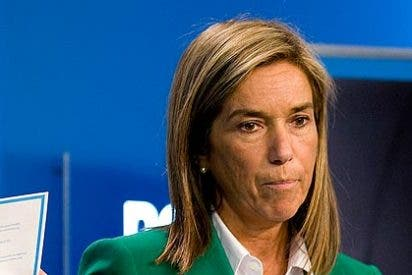 El diario 'El País' pide a Mariano Rajoy la cabeza de Ana Mato